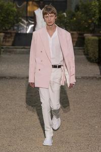 Collection été de Givenchy.