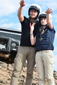 Laura et Silviu, son petit ami cherchent leur route