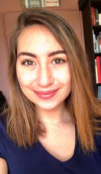 Axelle, 21 ans, est diplômée d'une licence anglais-allemand.