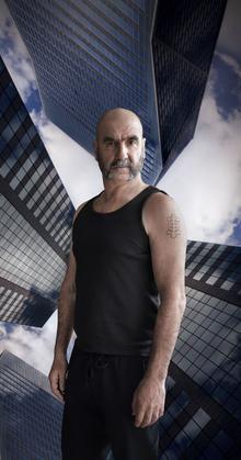 Éric Cantona dans Dérapages.