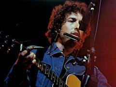 Bob Dylan, la légende de la folk de passage à Paris