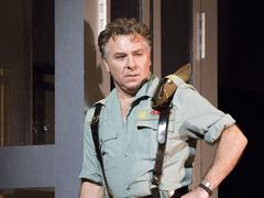 Carmen, version franquiste: Roberto Alagna annule la première en raison d'une bronchite
