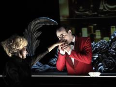 Théâtre: quand les romanciers passent la rampe
