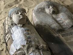 Égypte: un cimetière vieux de 4.500 ans découvert près des pyramides de Gizeh