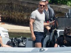 Daniel Craig chute pendant une scène de James Bond, le tournage interrompu