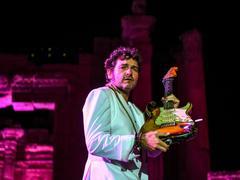 En famille et seul en scène, M célèbre l'amour à la Seine Musicale