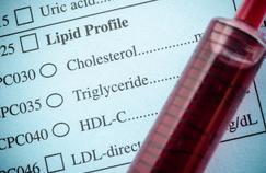 Hypercholestérolémie: faut-il arrêter les statines après 75 ans?