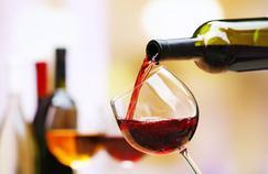 Pourquoi l'alcool favorise la rosacée