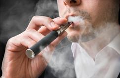 La cigarette électronique est-elle vraiment moins dangereuse que le tabac?