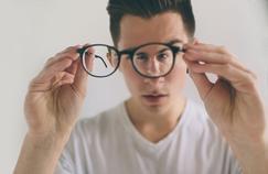 Même à l'âge adulte, le strabisme peut (ré)apparaître