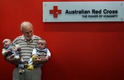 En donnant son sang plus de 1000 fois, un Australien a aidé 2,4 millions de bébés