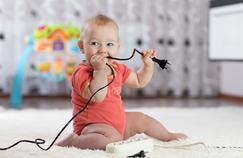 Accidents électriques : comment protéger les enfants ?