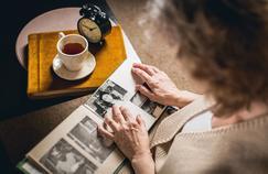 Maladie d'Alzheimer : même sans médicaments, des prises en charge existent