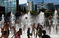 Chaleur suffocante, sécheresse, pics d'ozone… Les fléaux de la canicule