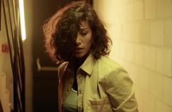 Piégée : Manon Azem joue les caïds en prison