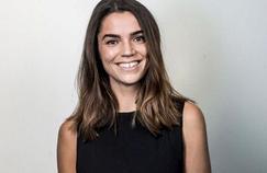 Cécile Grès au bord des terrains de rugby