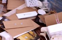 Capital enquête sur les millions d'invendus d'Amazon