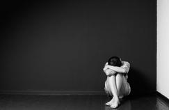 Hausse préoccupante des pensées suicidaires chez les adolescentes