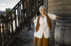 Mimie Mathy en plein Far West