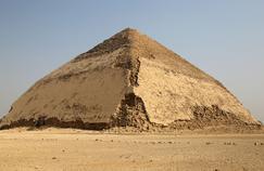 France 5 : dans les entrailles de la pyramide rhomboïdale