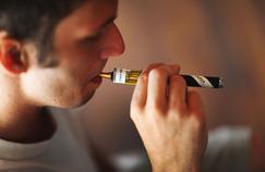 Cigarette électronique: soupçons sur un lien possible entre vapotage et convulsions