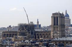 Notre-Dame: trois éléments de la structure menacent de tomber