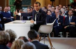 Emploi: sur 18 mois, Macron fait beaucoup moins bien que Hollande