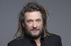 Olivier Delacroix fait son retour sur France 2 et publie un livre