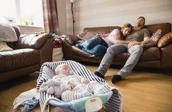 Six ans après la naissance de leur enfant, le sommeil des parents est toujours perturbé