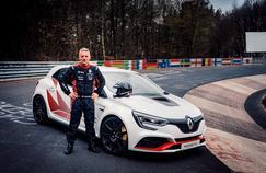 La Renault Mégane RS Trophy-R récupère le titre de reine du ring