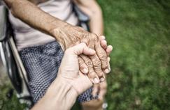 S'occuper d'un proche atteint d'Alzheimer, un combat quotidien