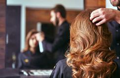 Décoloration des cheveux: attention aux substances très allergisantes