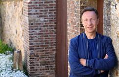 Fiction, théâtre: de nouveaux rôles pour Stéphane Bern