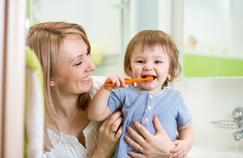 Brosse à dents pour bébé: comment choisir?