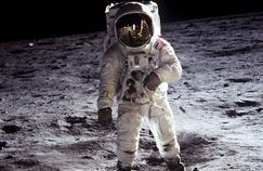 Discovery célèbre le premier pas sur la Lune