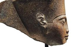 Londres vend une tête de Toutankhamon au mépris de la colère du Caire