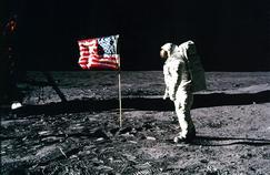 «On n'a pas marché sur la Lune»: 10 arguments face aux complotistes