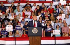 Trump désapprouve les slogans scandés par ses partisans