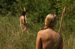 Retour à l'instant primaire : nu avec une inconnue en terrain hostile