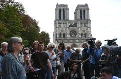 Plomb à Notre-Dame: la mairie promet de dépolluer le quartier avant la rentrée