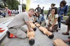 Premiers secours: les gestes à connaître en cas de malaise ou d'accident