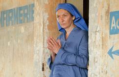 Colombine: Corinne Masiero, de la chapka au voile de nonne