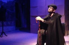 La voix des sans voix: la vie de l'abbé Pierre racontée avec humour et émotion