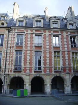 L'hôtel de Fourcy est classé monument historique depuis 1954. ©Wikipedia