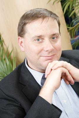 Daniel Scott Evans enseignait auparavant à l'EM Lyon.