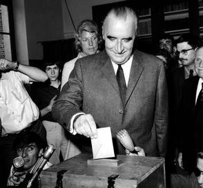 Georges Pompidou vote le 15 juin 1969 dans la commune d'Orvilliers (Yvelines) où il possède une maison depuis 1954.