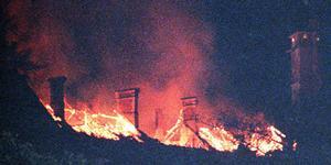 Incendie sur les toits du château des Ducs de Savoie de Chambéry.