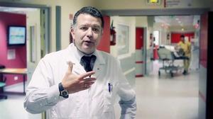 Le Pr Enrique Casalino, chef du département des urgences à Bichat.