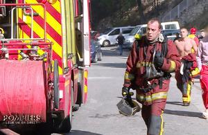 Pompiers, leur vie en direct : les héros du réel enlèvent le casque