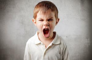 Les enfants tyranniques sont-ils mal élevés?